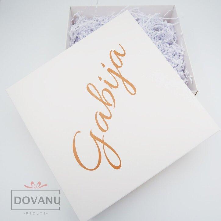 Dovanų dėžutė su tekstu ant dėžutės viršaus