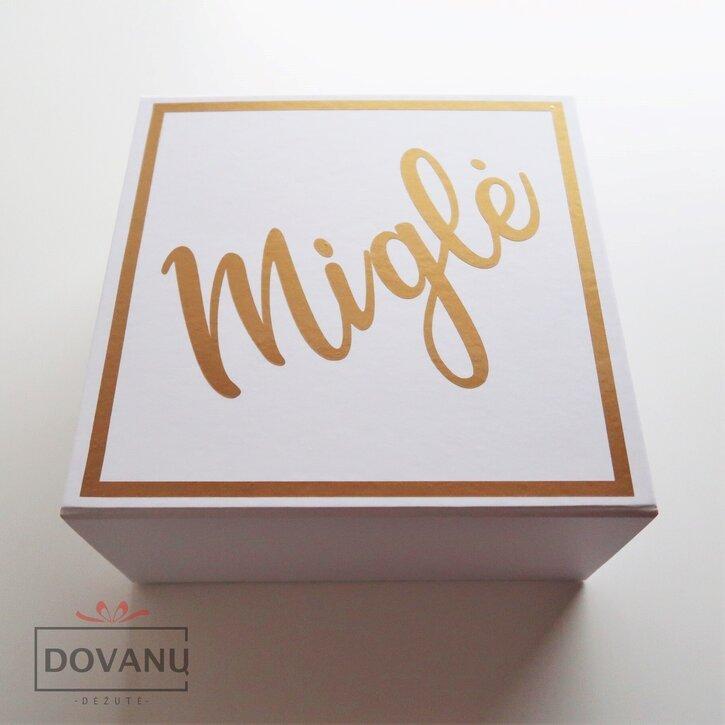 Dovanų dėžutė - kvietimas būti pamerge