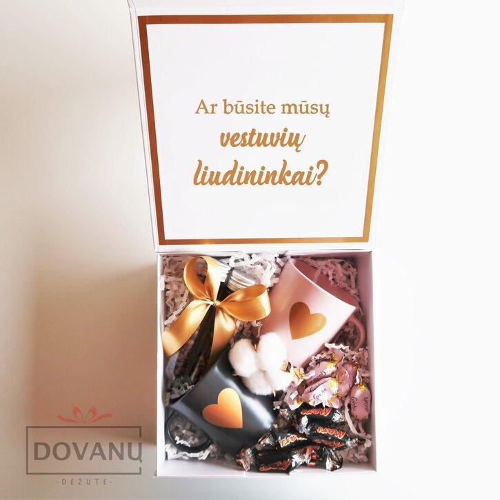 Kvietimas būti vestuvių liudininkais dovanų dėžutėje
