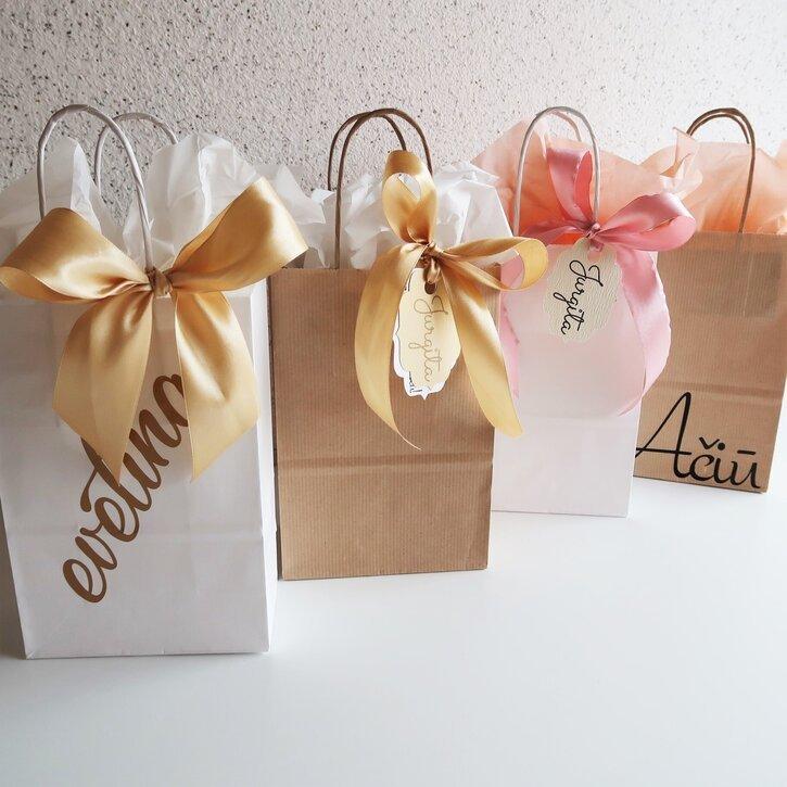 Popieriniai dovanų maišeliai su užrašais